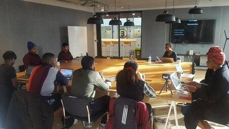 Kay Kukoyi, Purposeful Products, Tech Startup Academy, Running a workshop on Creating Products that Serve your Customers with some amazing 18-25 year old entrepreneurs